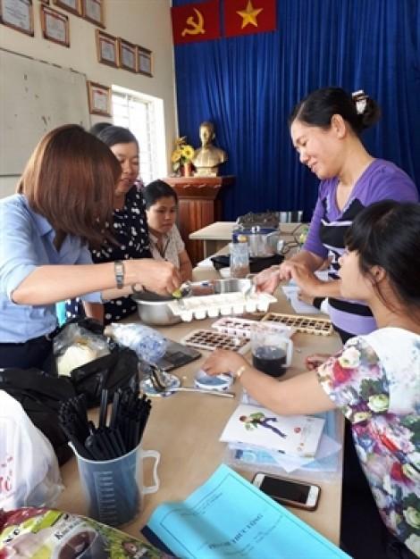 Huyện Nhà Bè: Mở lớp dạy pha chế thức uống cho học viên