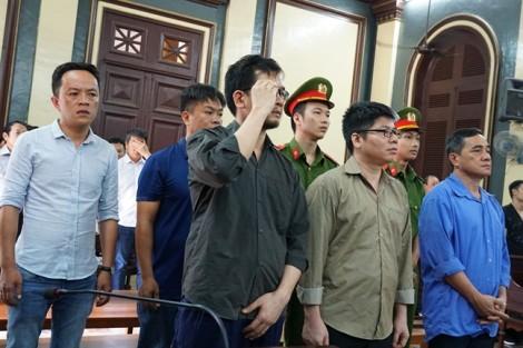 Cựu công an tiếp tay đường dây buôn lậu 54 xe sang từ Mỹ về Việt Nam hầu tòa