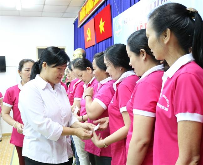 Quan 2: Ra mat Chi hoi Phu nu tieu thuong cho Cay Xoai