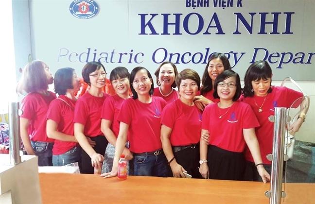 10 nhan vat chuong trinh 'Khat vong song' hoi ngo tai Benh vien Ung Buou TP.HCM