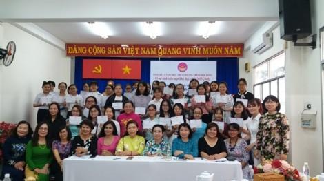 Hội Nữ Trí thức TP.HCM: Trao học bổng 'Vì nữ sinh viên vượt khó, học giỏi'