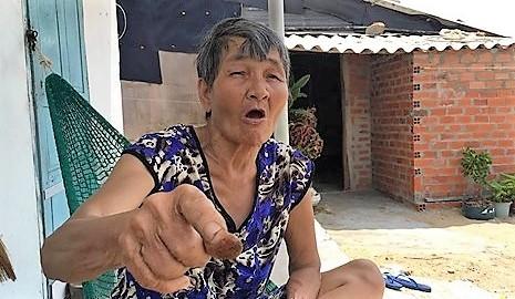 Du an resort, biet thu chia nhau cat cu, bien Long Hai sap het duong... xuong bien