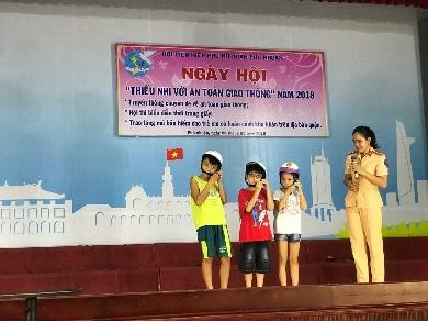 Thieu nhi Phu Nhuan voi an toan giao thong