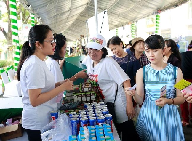 Suntory PepsiCo Viet Nam dong hanh cung Ngay hoi xanh Phu My Hung 2018