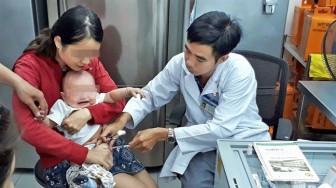 Phụ huynh lúng túng vì vắc xin 5 trong 1 'đứt hàng'