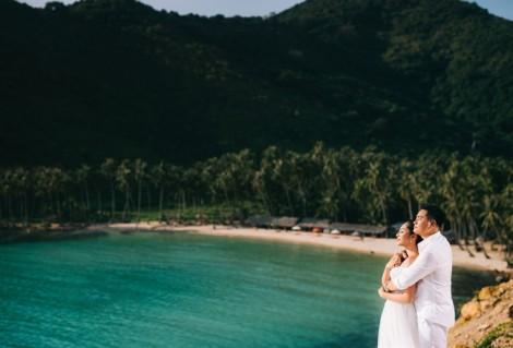 Đầm cưới đẹp lãng mạn của Hoa hậu Đặng Thu Thảo trên biển