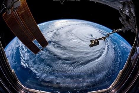 Siêu bão Florence đổ bộ, 10 triệu người Mỹ chuẩn bị cho 'cơn ác mộng'