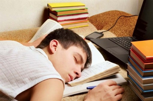 Vào học trễ 1 tiếng cho học sinh ngủ thêm