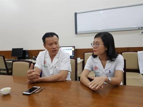Nữ bác sĩ nghe được sau 2 năm bị điếc do lây virus quai bị từ bệnh nhân