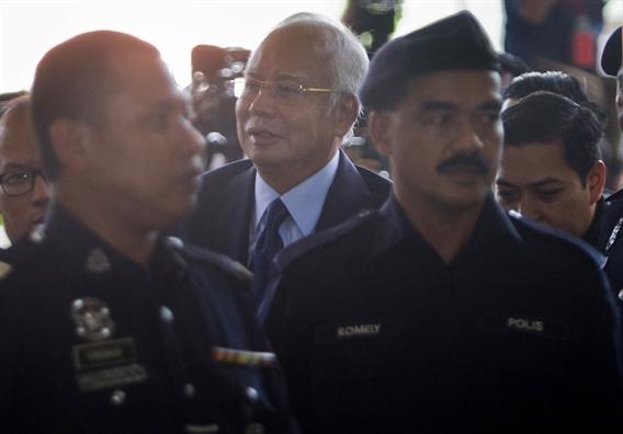 Cuu Thu tuong Malaysia phu nhan 25 toi danh moi sau phien toa ngay 20/9