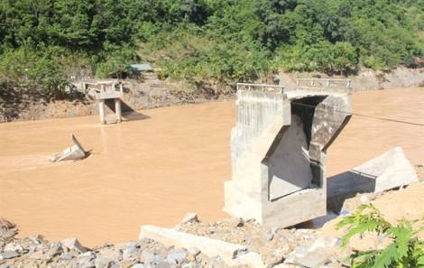 Đề nghị thủy điện xây lại cầu, đền bù cho người dân sau đợt xả lũ lịch sử