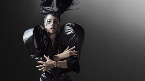 Lady Gaga: Trái tim ấm sau vẻ ngoài lập dị