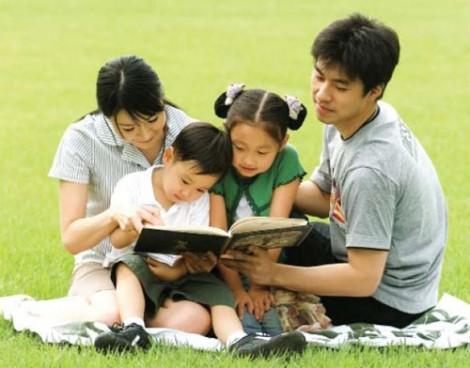 Giáo dục gia đình thời khủng hoảng