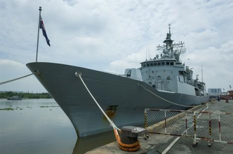Khu trục hạm New Zealand thăm TP.HCM