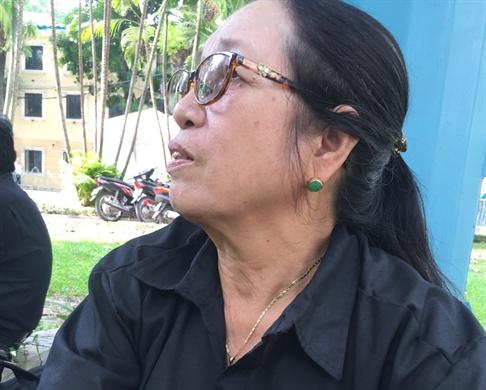 Hang tram hoc sinh truong Chu Van An xep hang vao vieng Chu tich nuoc Tran Dai Quang