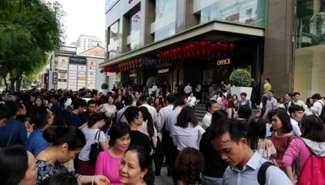 Hàng trăm người  tháo chạy khỏi trung tâm thương mại vì chuông báo cháy bị bấm nhầm?