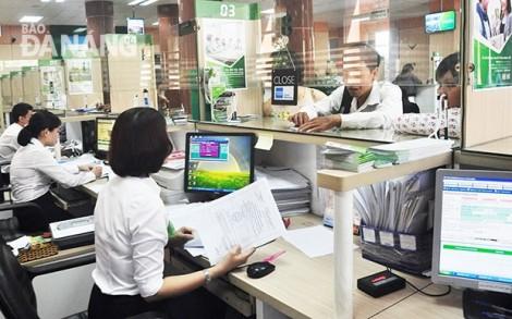 Ngân hàng áp dụng loạt biện pháp 'siết' cho vay bất động sản