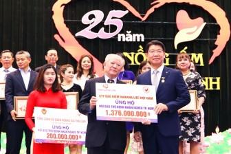 Tổng giám đốc Hanwha Life Việt Nam vinh dự nhận huy hiệu TP.HCM