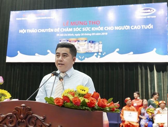Vinamilk dong hanh to chuc le mung tho va cham soc suc khoe cho 1.000 nguoi cao tuoi