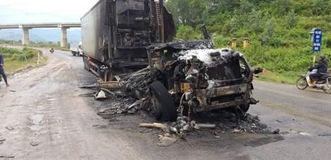 Đường tránh hầm Hải Vân bị phong tỏa suốt đêm vì cháy xe tải