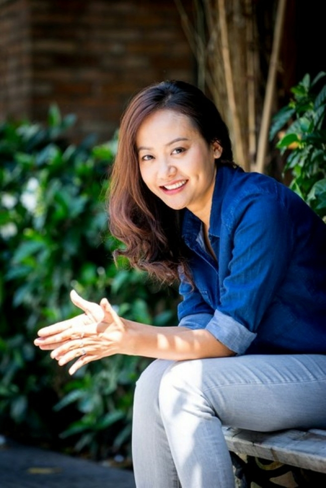 Dao dien Hong Anh: 'Can thuc te khi pho bien phim Viet'