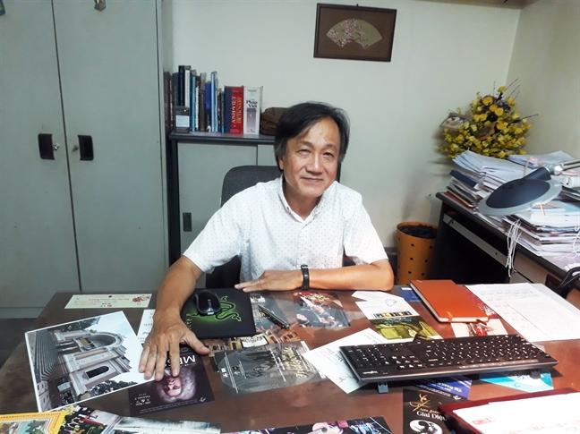 On ao nha hat ngan ty: 'Van de la xai tien the nao cho dung'