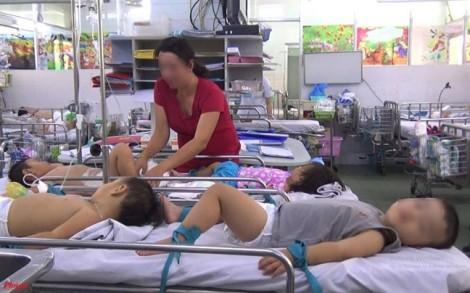 Cách chăm sóc trẻ bị tay chân miệng tại nhà