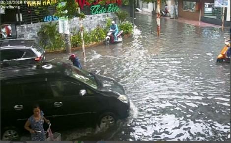 Nâng đường, đặt trạm bơm cứu ngập 'khu đại gia' Sài Gòn