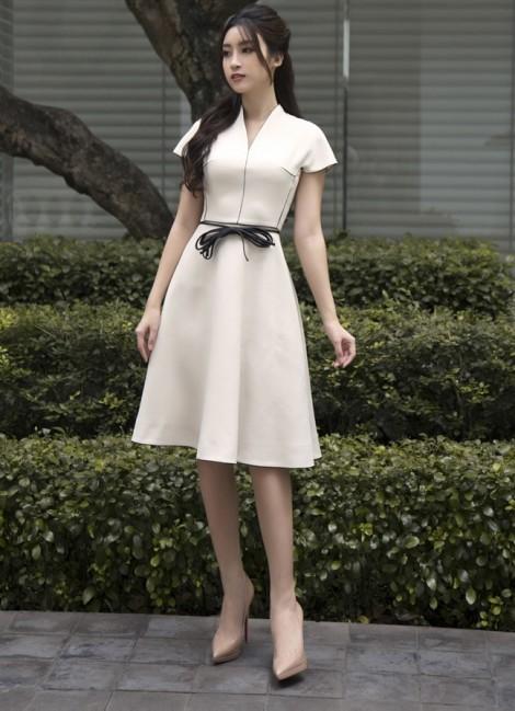 Hoa hậu Đỗ Mỹ Linh gợi ý cho nàng yêu phong cách nữ tính, thanh lịch