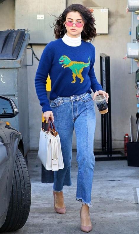 Học cách mặc áo len mùa đông đẹp như Selena Gomez