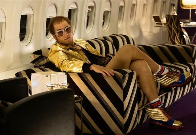 Elton John phien ban 'Kingsman'