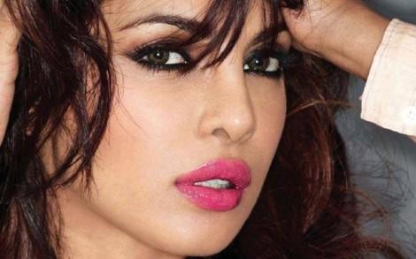 5 bí mật chăm sóc da và tóc của các ngôi sao Bollywood