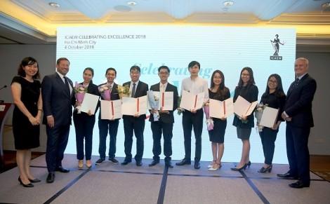 54 học viên đầu tiên tại Việt Nam nhận chứng chỉ quốc tế CFAB