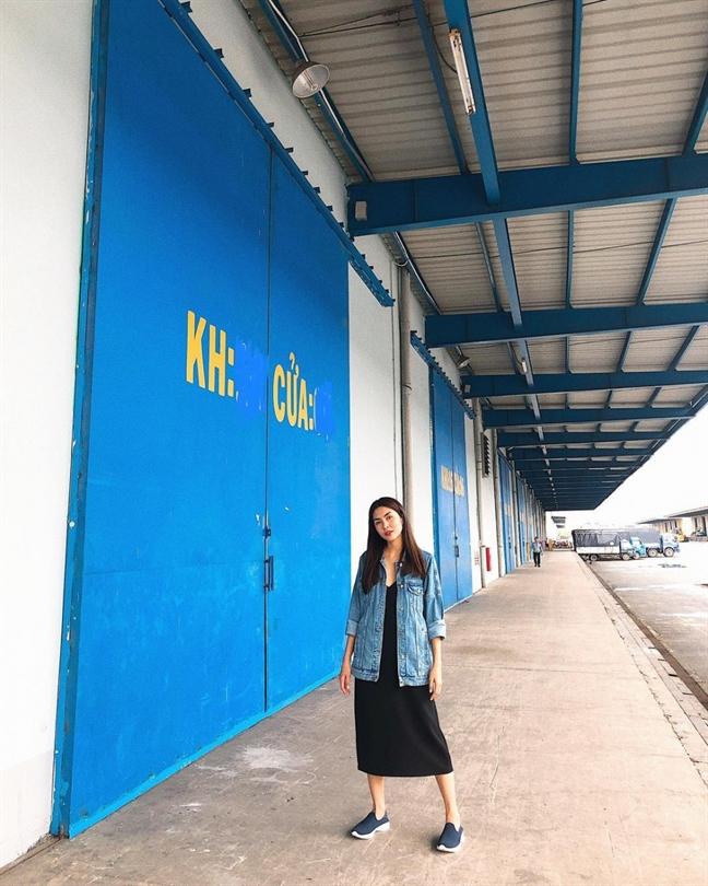 Dien blazer sang chanh nhu Tang Thanh Ha