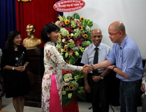 Hội LHPN TP.HCM thăm và chúc mừng Ngày Doanh nhân Việt Nam