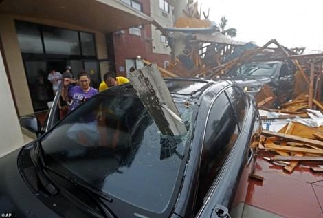 Siêu bão Michael 'giày xéo' đất Mỹ