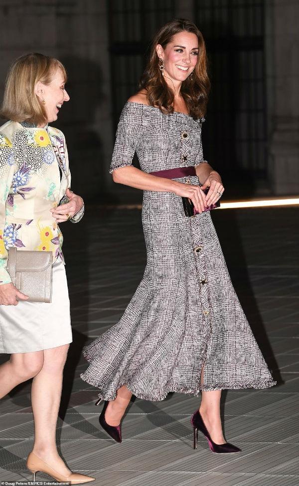 Cong nuong Kate Middleton tai xuat goi cam voi set do tram trieu