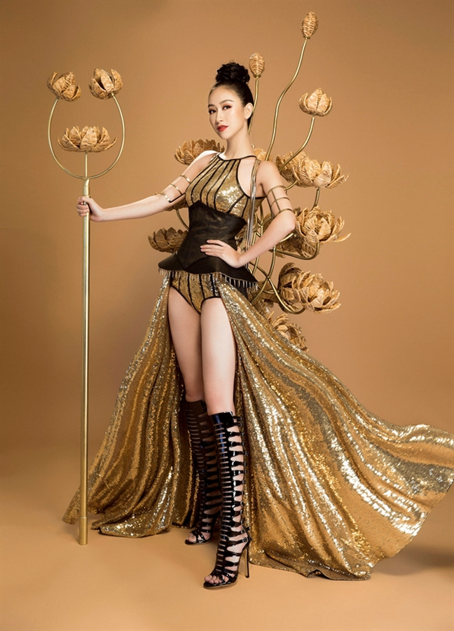 Viet Nam dat huy chuong vang trang phuc truyen thong tai 'Hoa hau Trai dat'