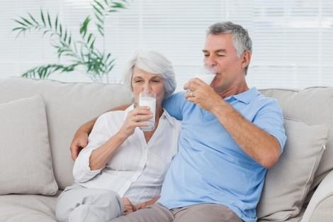 Tư vấn dinh dưỡng: Khắc phục suy dinh dưỡng cho người cao tuổi ra sao?