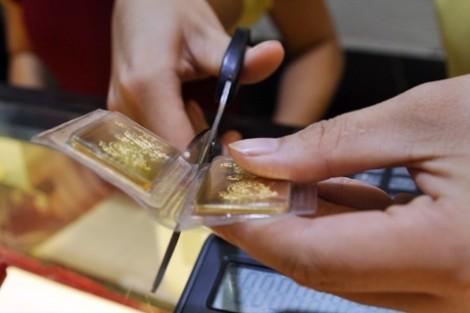 Nguyên nhân khiến giá vàng trong nước bất ngờ tăng vọt 90.000 đồng/lượng