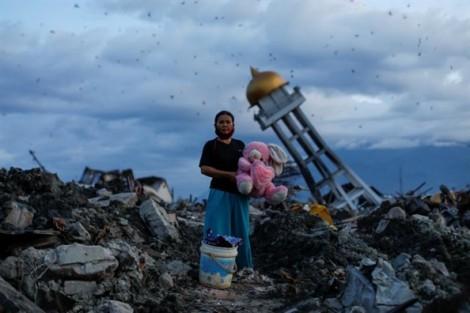 Động đất ở Haiti, lũ quét tại Tây Ban Nha, bão mạnh tấn công Mỹ lọt chùm ảnh nổi bật nhất tuần