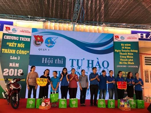 Quan 1: San choi phap luat ve an toan giao thong va co dong dung hang Viet