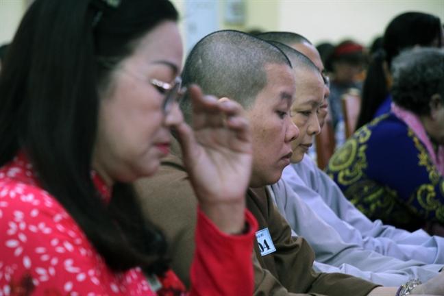Quan 10: Trao tang 19 ky niem chuong 'Vi su phat trien cua Phu nu Viet Nam'