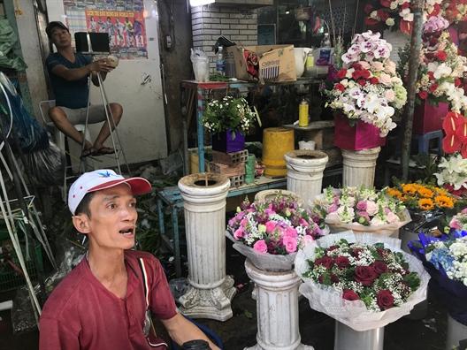 Hoa hong khan hang, tren da tang gia le 20/10