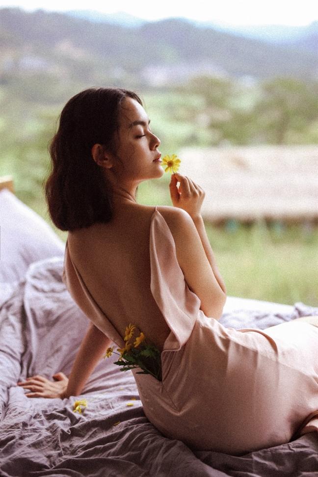Trang phuc ho lung khoe kheo vung goi cam 'chet nguoi'