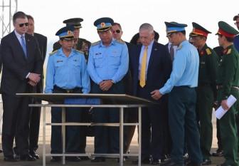 Bộ trưởng Quốc phòng Hoa Kỳ thăm khu xử lý ô nhiễm dioxin tại sân bay Biên Hòa