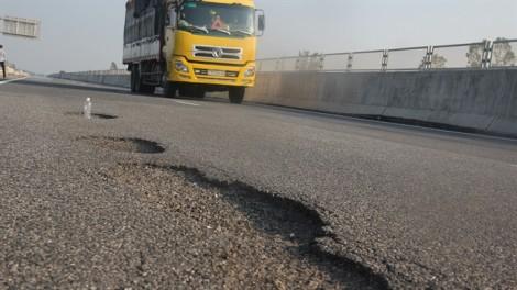 Thanh tra cao tốc 34.500 tỷ đồng mới khai thác đã hư hỏng