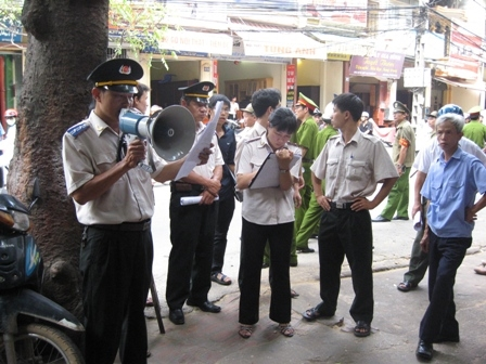 Cong tac thi hanh an keo dai vi toa tuyen khong ro