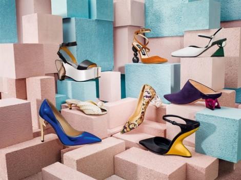 Sự trở lại của giày gót hình học