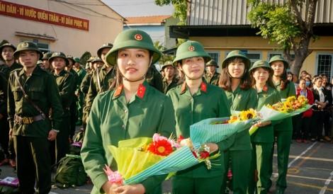 Ba tháng trên thao trường của những nữ quân nhân xinh đẹp